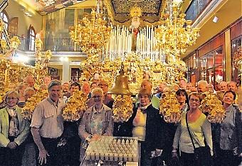 Över 80 av Sydkustens läsare besökte Málaga 29 mars för att uppleva Semana Santa och påskprocessionerna. Besöket inleddes med en introduktion på Cofradía La Esperanza där de gigantiska tronerna kunde beskådas på riktigt nära håll.