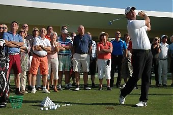 Säsongspremiären inkluderade en Golf Clinic med Ryder Cup-stjärnan Peter Hanson.