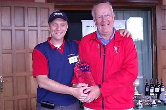 Stig Stieberth vann Wasa Real Estate´s specialpris, på hål 17. En flaska vodka på hela 4,5 liter.