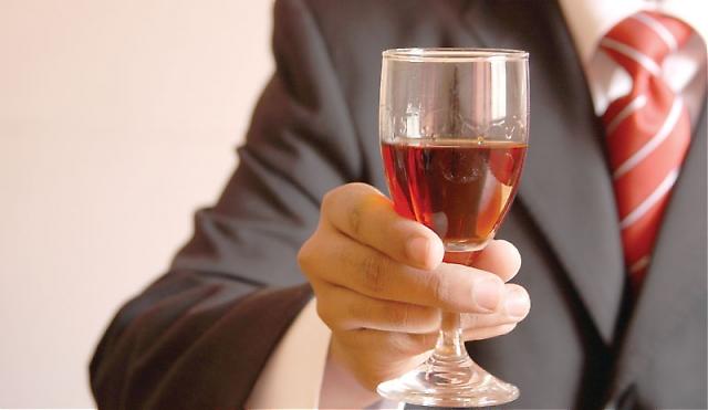 Flera spanska viner visar att krisen inte berör dem det minsta. Dansken Peter Sissecks