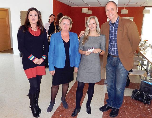 Det blev en mycket givande frukost på Centro Forestal Sueco 24 november, när Svensk-Spanska Handelskammaren kom på besök hos SWEA Marbella. På bilden dagens  frukostvärdinnor Jessika Kroon (Svenska Handelsbanken) och Kajsa Fridberg (Bankinter) med SWEA Marbellas ordförande (i blått) Rose-Marie Wiberg och Handelskammares delegat i Andalusien Mats Björkman (längst till höger!).