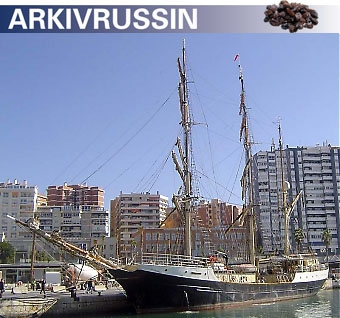 Den tremastade barken Gunilla pryder kajen Muelle Uno i Málagas hamn, fram till 7 december.