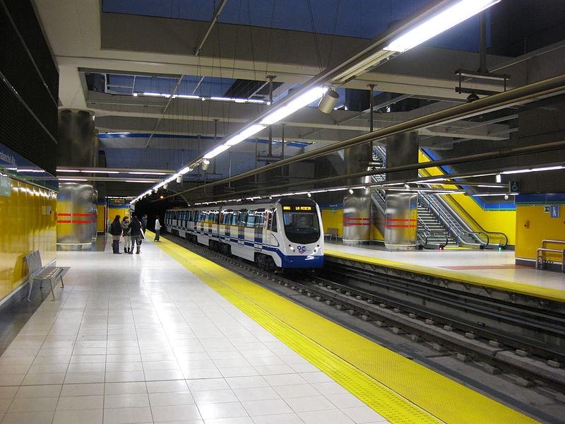 Sammanlagt 13 tåg i Madrids tunnelbana försenades 25 april efter att sabotörer dragit i handbromsen, när de var stillastående.