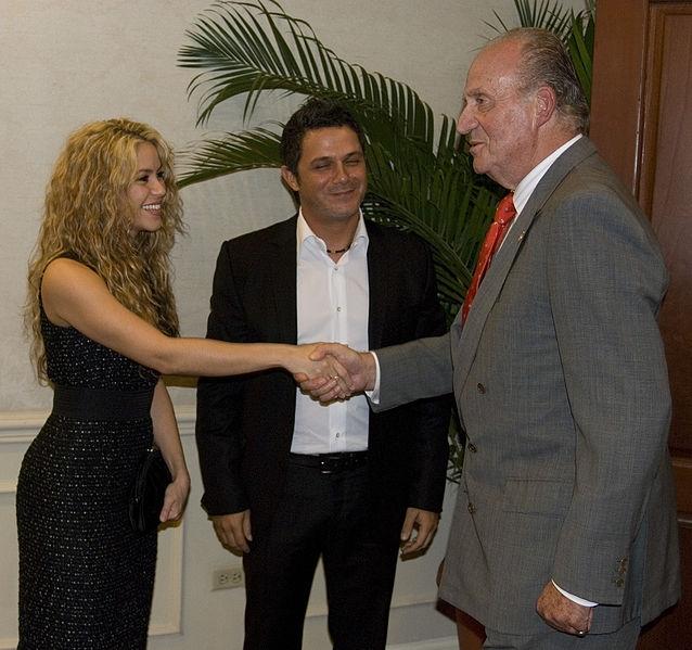 Kung Juan Carlos hade just återupptagit sin agenda, när hans nya höftprotes föll ur plats i en olycklig rörelse.