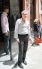 """""""Det kulturella utbudet i Málaga centrum lockar väldigt många människor, vilket har lett till allt fler barer och restauranger. De är en positiv cirkel men tyvärr intresserar sig folk mer för kroglivet än för mode,"""" säger Francisco Cuadros som har en liten herrekiperingsbutik i Casco Antiguo."""