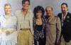 """Paret Jaime de Mora och Margit lockade en rad internationella kändisar till Marbella och lade grunden till det berömda """"jet-setet"""". Här med skådespelerskan Elizabeth Taylor, hennes dåvarande make Richard Harrison och Khashoggi."""