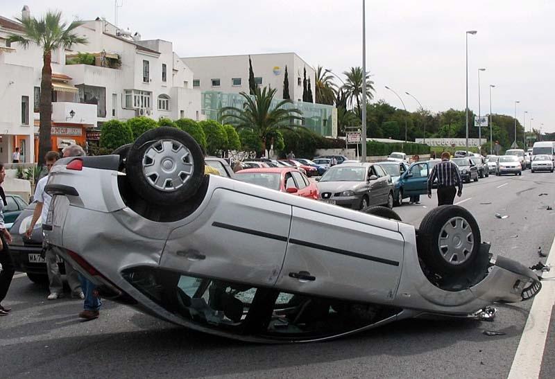 Nära varannan förare som omkom förra året i den spanska trafiken var påverkad av alkohol eller droger.
