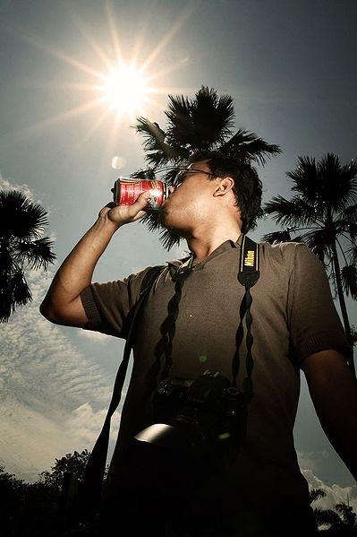 Larmberedskap råder på grund av värmeböljan och allmänheten uppmanas att dricka stora mängder vätska.