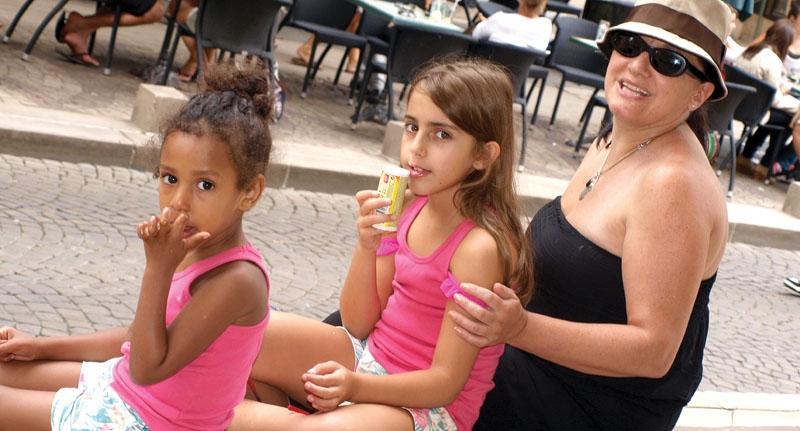 Dansk singel fick adoptera barn