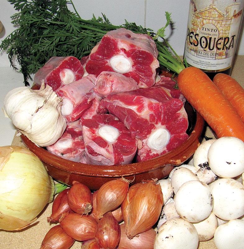 Oxsvans är en recept som härstammar från 1500-talet Córdoba, men som har anor tillbaka till romartiden.