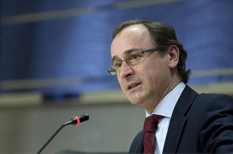 PP:s talesman i parlamentet Alfonso Alonso har gjort en av partiets många pudlar den senaste tiden.