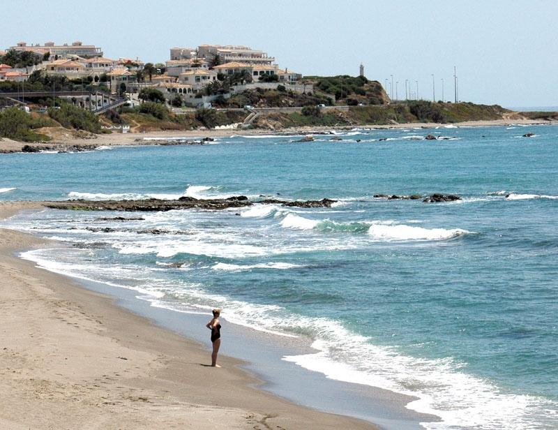 Gasfältet i havsbottnen utanför Costa del Sol upptäcktes redan 2005. Regeringen har nu givit klartecken till de kontroversiella provborrningarna nio kilometer söder om Punta de Calaburras, i Mijas.