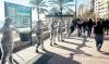 Aktionen Cadena Humana Contra Prospecciones resulterade i en kilometerlång protestkedja längs Fuengirolas strandpromenad den 26 januari. Foto: Ciudadanos contra las Prospecciones de Hidrocarburos