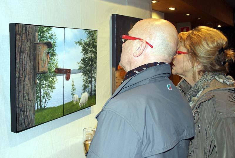Många av besökarna fascinerades av Lennart Nillsons